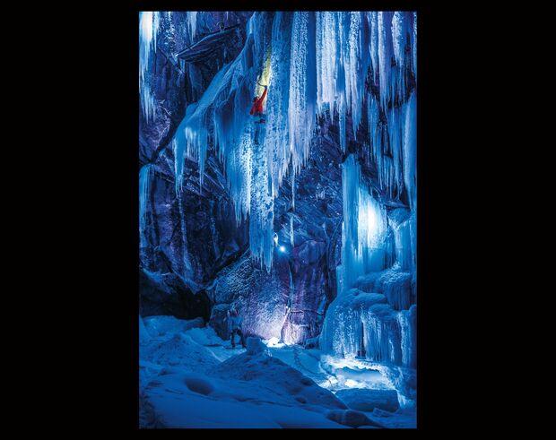 KL-Eisklettern-Norwegen-Mammut-2013-ThomasSenf_SH0432_EIDFJORD_D105358 (jpg)