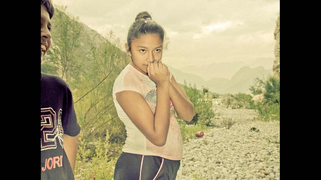 KL-Escalando-Fronteras-Charity-Klettern-Mexiko-Maria-13-Jahre-hat-lange-unter-hauslicher-Gewalt-gelitten-Mit-Hilfe-unserer-Psychologen-veruchen-wir-die-kindlichen-Traumata-aufzuarbeiten (jpg)