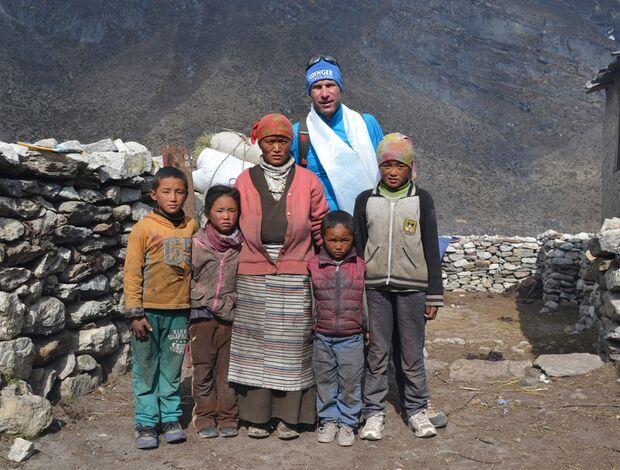 KL-Everest-Tragoedie-Sherpa-Hilfe-14-Familie-Dorji-Sherpa,-Tarange (jpg)