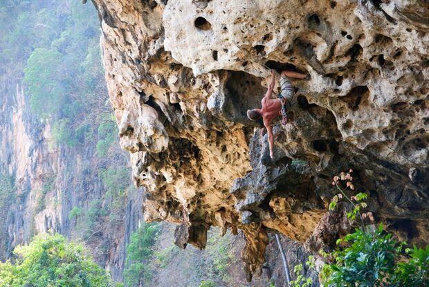 KL-GreenClimbersHome-Klettern-Laos-Uli,-Jungle-King-7b+ (jpg)