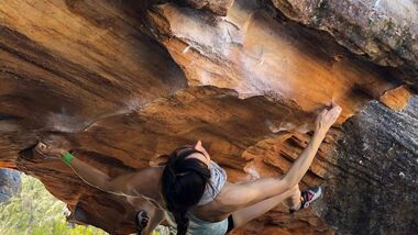 KL Highlights Alizee Dufraisse klettert The Arch 8B