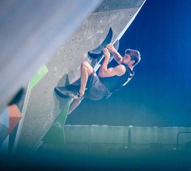 KL Jan Hojer boulder bei der Deutschen Meisterschaft 2017