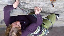 KL Julia Winter Klettern im Elbsandstein