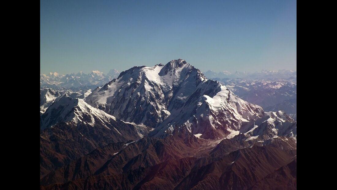 KL-KL_8000er-Nanga_Parbat_from_air (jpg)