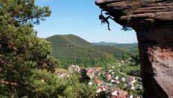KL-Klettern-in-Deutschland-Pfalz-Sarah-Fotoface-c-Jack-Geldard (jpg)
