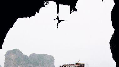 KL Klettern in Vietnam Deep Water Solo