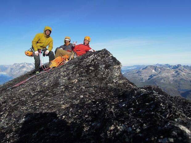 KL_Lamprecht_Serratit Z Toni Tom Michi Gipfel Asiaq klein DSCN0588 (JPG)