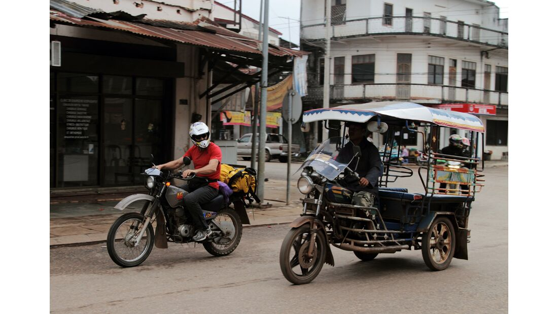 KL_Laos_Schoeffl_Strasse (jpg)