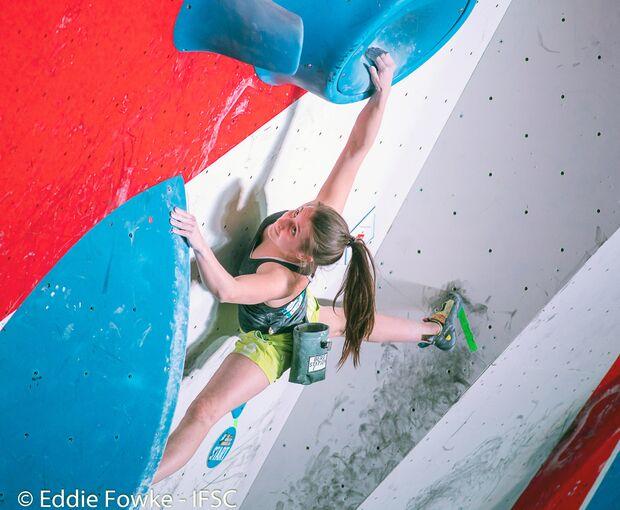 KL Lilli Kiesgen beim Boulder-Weltcup in Moskau