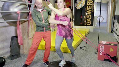 KL Petra Klingler, Boulder-Weltmeisterin beim Training