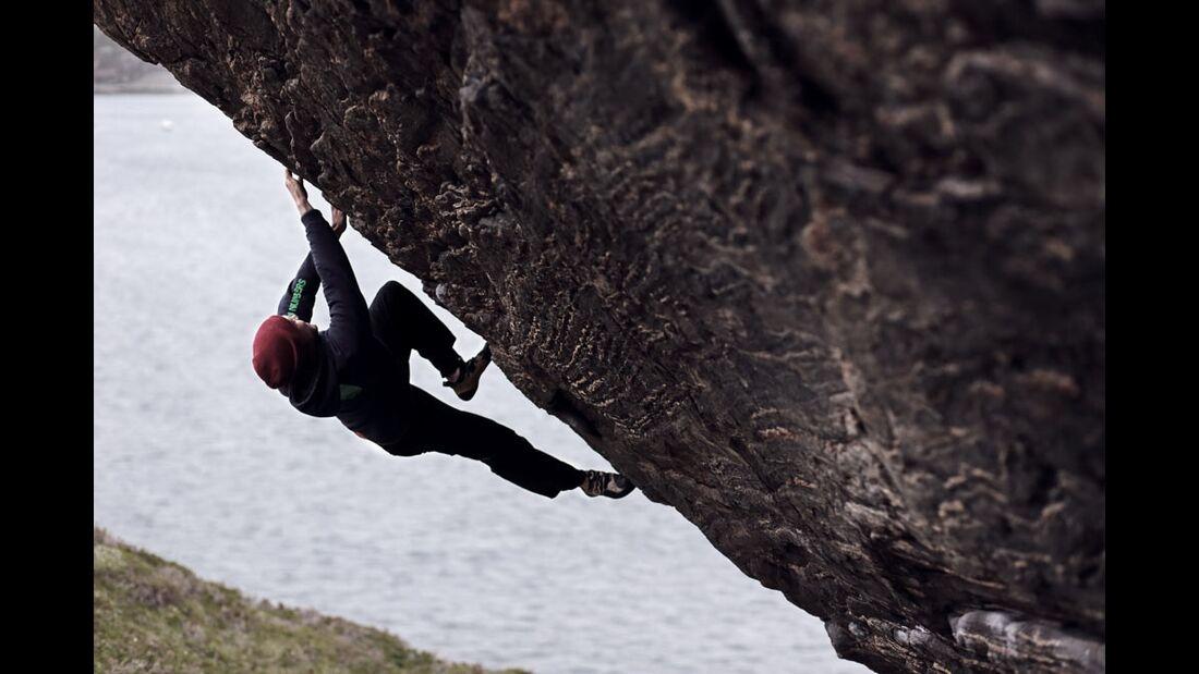 KL-Pirmin-Bertle-bouldern-in-Norwegen-1318 (jpg)