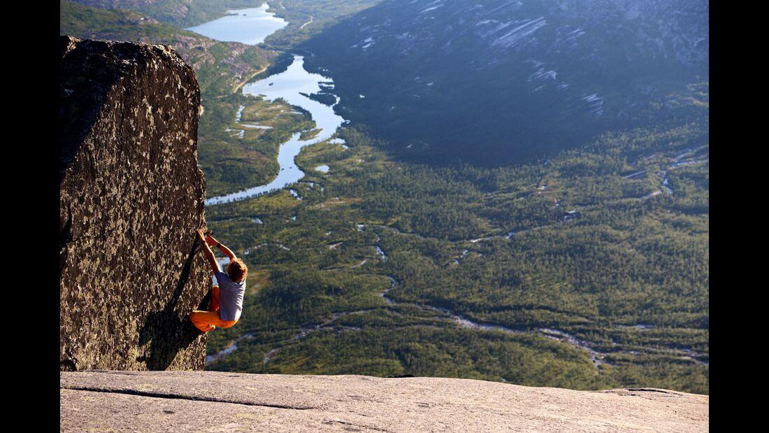 KL-Pirmin-Bertle-bouldern-in-Norwegen-2136 (jpg)