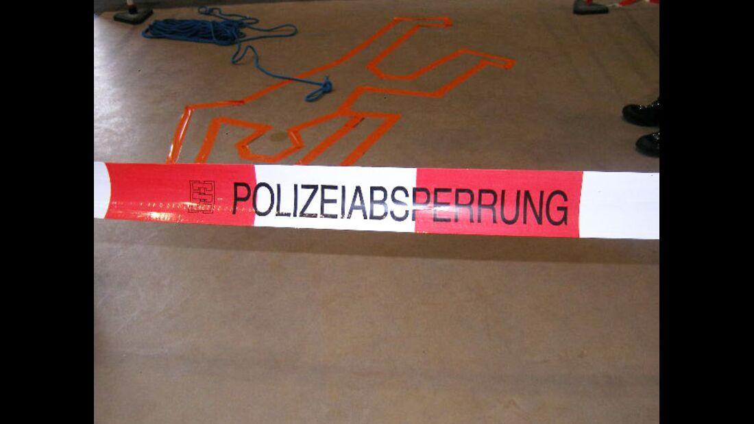 KL-Polizei-Unfallkommando-Klettern-2015-Absperrung (jpg)