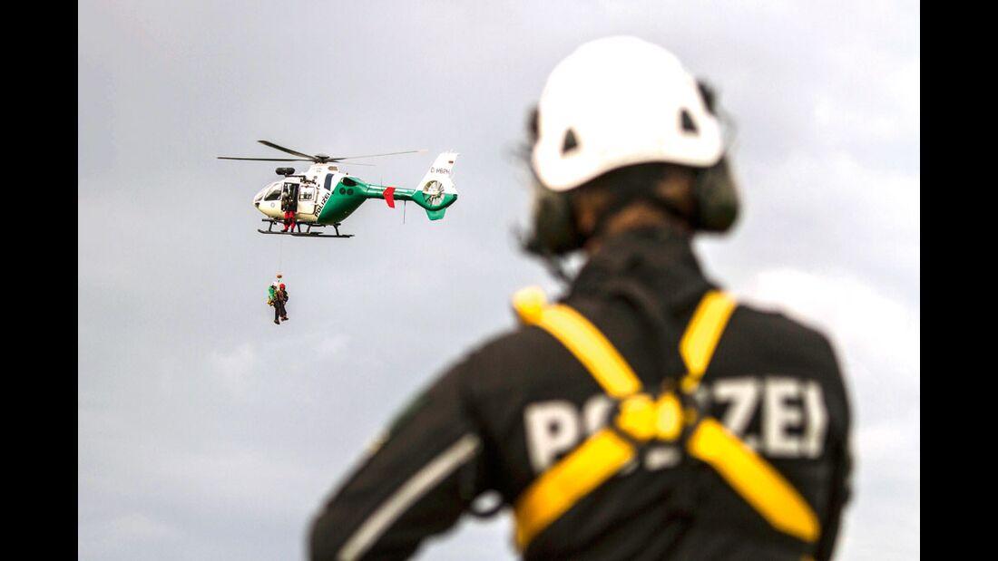 KL-Polizei-Unfallkommando-Klettern-2015-Aufmacher-15002952773_95b148f157_o (jpg)