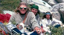 KL-Reelrock-2014-15-John-Bachar,-Mike-Graham,-Ron-Kauk-top-of-El-Capitan's-Shield-route-1976-ph-Mike-Graham_k (jpg)