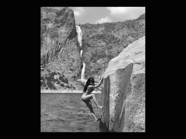 KL-Stonenudes-Kalender-2014-c-Dean-Fidelman-008-August (jpg)