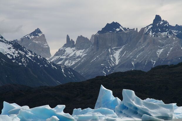 KL-Torres-del-Paine-Lago_Grey-Chile_o-Alastair-Rae (jpg)