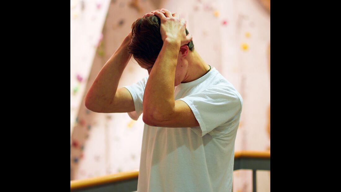KL-Uebung-gegen-Nackenschmerzen-mit-Alexander--Hille-125 (jpg)