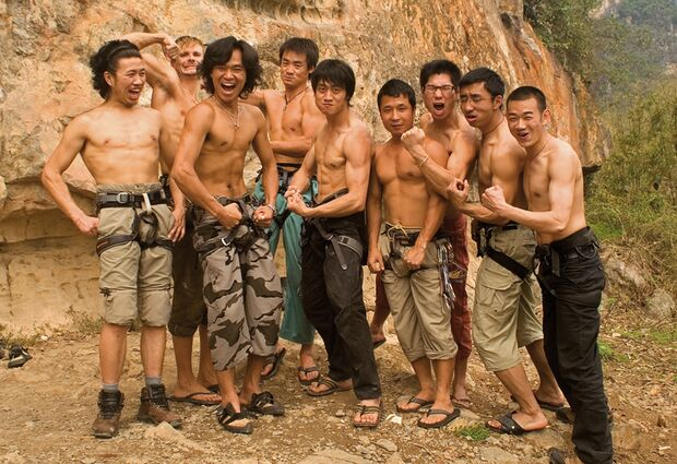 KL-Yangshuo-Twin-Gate---my-chinese-friends-showing-their-muscles-- (jpg)