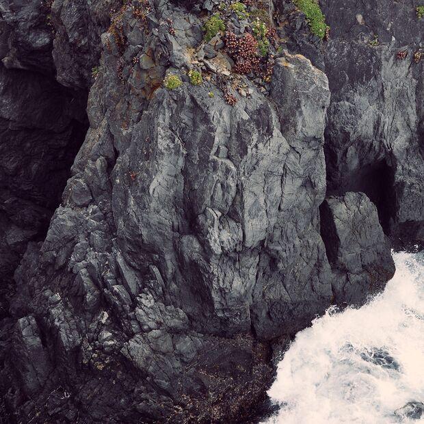 KL-the-beauty-of-rock-Big-Sur-coast
