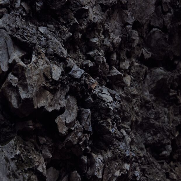 KL-the-beauty-of-rock-Dark-Spiky-Rocks
