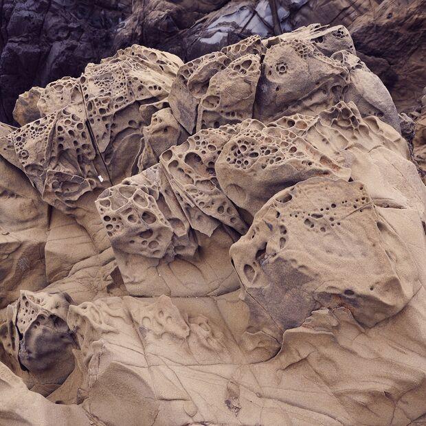 KL-the-beauty-of-rock-Porous-Rocks