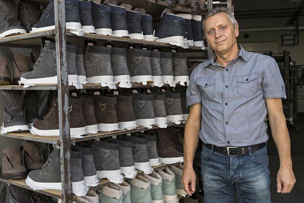 Lowa Schuh-Produktion in der Slowakei