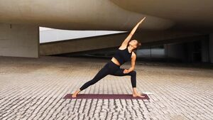 Mascha Trietsch Ashtanga Vinyasa Yogastunde