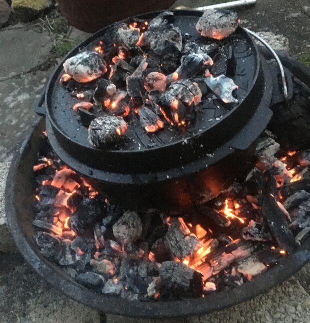 Microadventures - Dutch Oven - Kochen überm Feuer