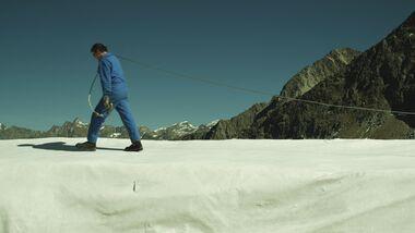OD-0413-PEAK-KINOFILM-Mensch-im-Schnee (jpg)