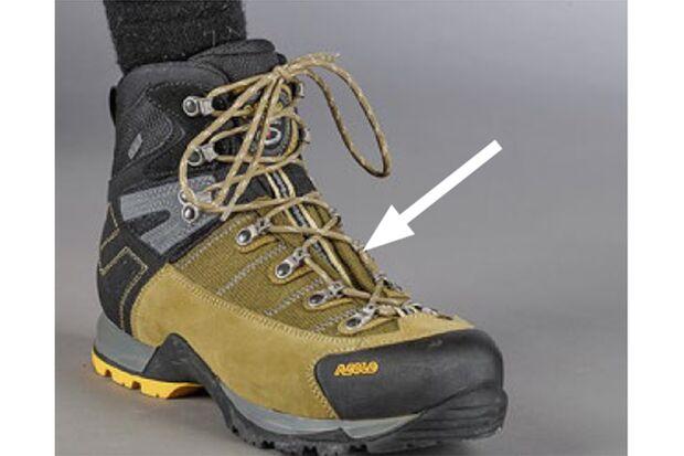 OD 0418 Schuhe binden Druckstellen aussparen