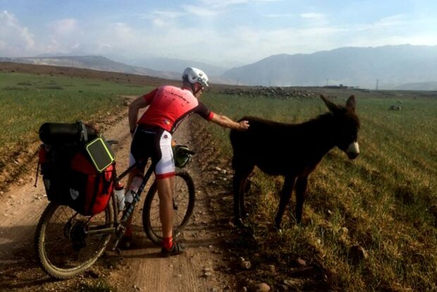 OD 0519 Atlasgebirge Marokko Überquerung Mountainbike Esel