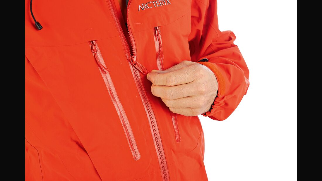 OD-1112-Funktionsjacken-Test-Arcteryx Alpha SV Detail Dreilagenjacken (jpg)