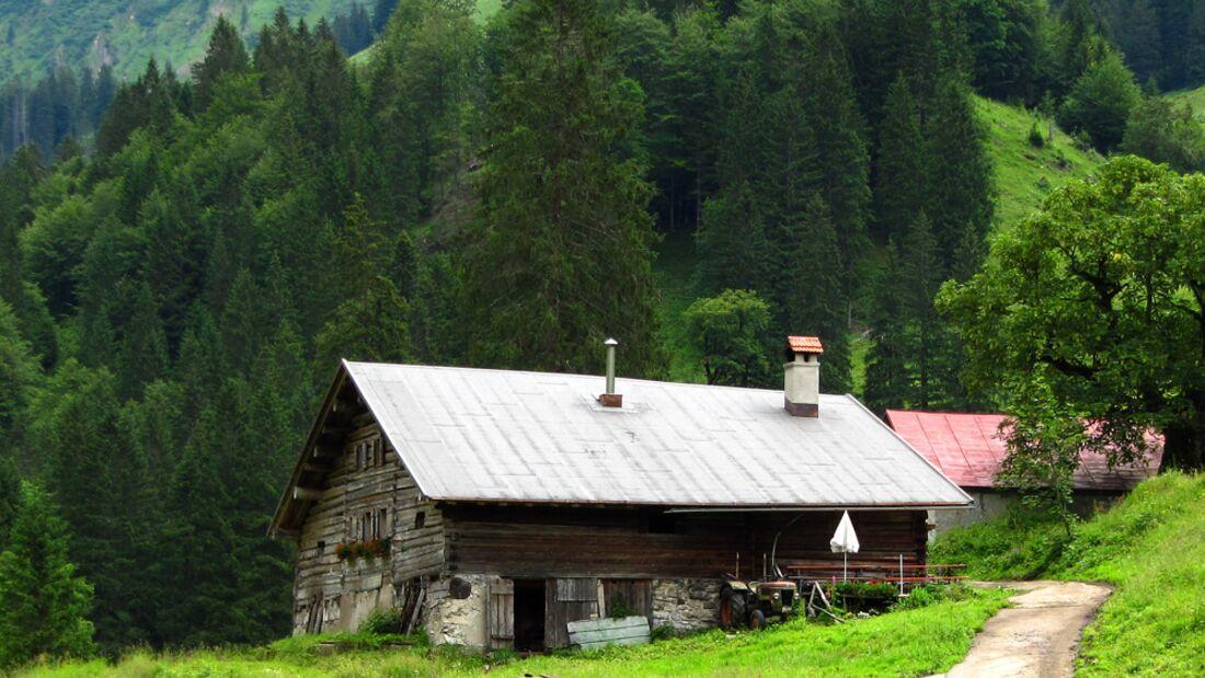 OD 1210  Basislager Blockhütte im Allgäu pixelio