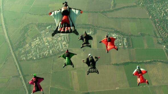 OD-1212-deutschlandvonoben-wingsuit_jumper_badsassendorf_3.72dpi (jpg)
