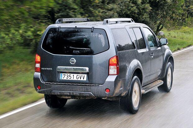 OD-2012-DieBestenFamilienautos-ab30.000-Nissan-Pathfinder (jpg)