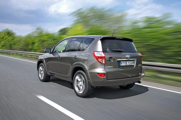 OD-2012-DieBestenFamilienautos-bis30.000-Toyota-RAV4 (jpg)