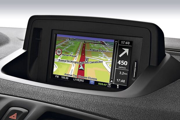OD-2012-NeueNavigationssysteme-Renault-Navi-von-TomTom-2 (jpg)