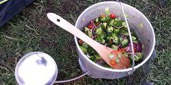 OD 2015 Zelttest Outdoor-Küche kochen Gemüse
