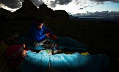 OD 2016 Schlafsacktest Teaserbild Schlafen Bergtour Nacht Zelten Camping