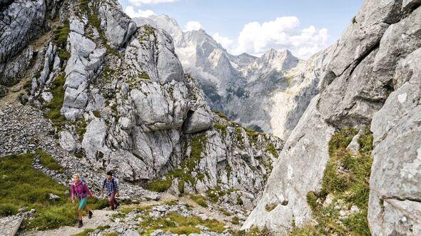OD-2018-Bayern-Sonderheft-Wetterstein_1_GaPa_Klettern_ZABT_MatthiasAletsee_1500 (jpg)