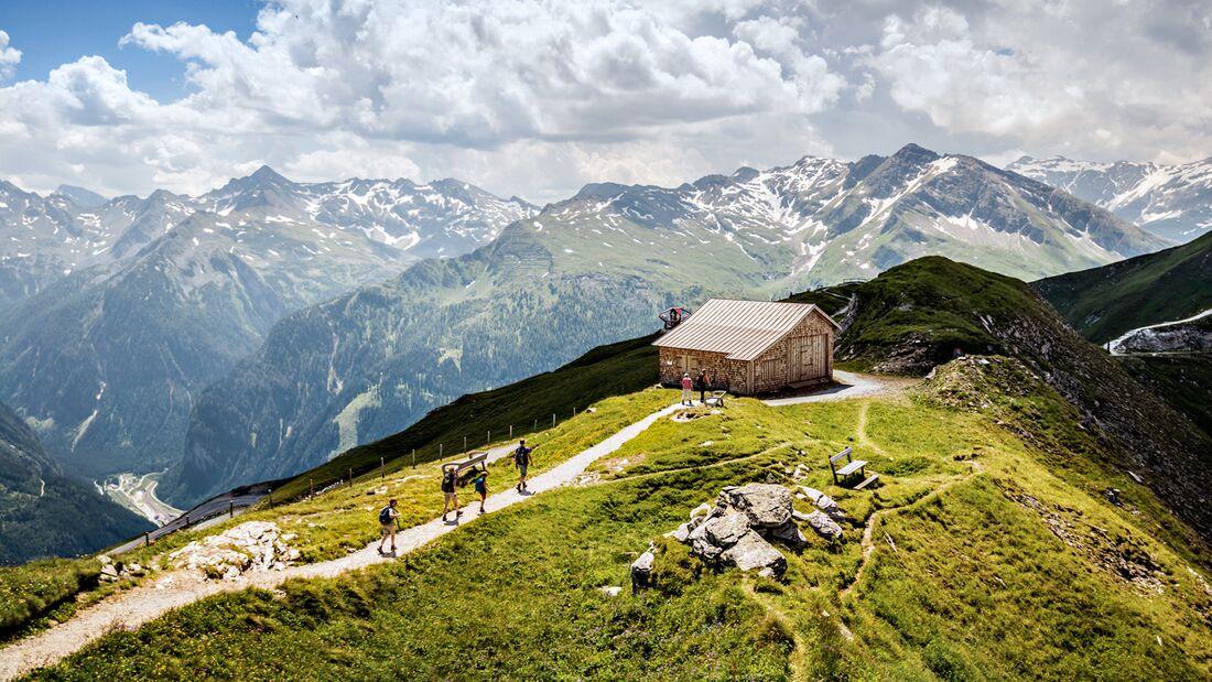OD 2018 Gastein-Trail Weitwanderweg Österreich am Stubnerkogel mit Blick auf die Hohen Tauern (c) Gasteinertal Tourismus GmbH_100pc