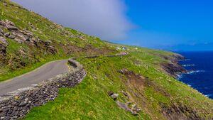 OD 2018 Irland Roadtrip Grüne Insel Nordeuropa Straße Auto Wiese Meer Klippen