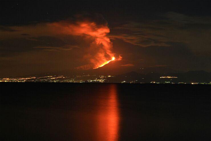 Berge-Europas-tna-Europas-h-chster-Vulkan-wieder-ausgebrochen