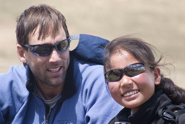 OD_Blindsight_Filmtipp_2008_Erik Weihenmayer und Sonam Bhumtso. (jpg)