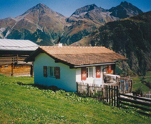 OD Die eigene Almhütte: Schweiz / Curaglia Disentis - Hexenhüsli