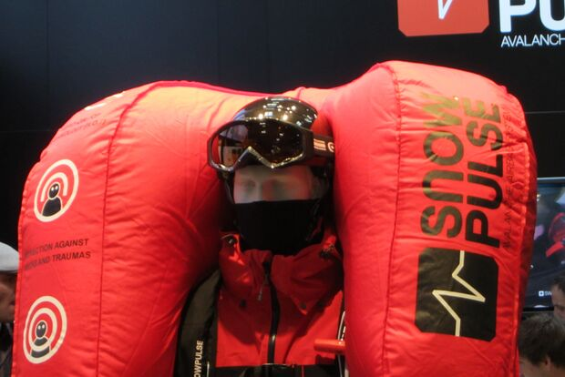 OD ISPO-2012-Messe-Neuheiten-Ausruestung-Mammut-Protection-RAS-18-Equipment (jpg)