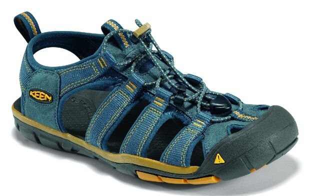 OD_KEEN_ADVERTORIAL_MAI_2013_Herren_Clearwater CNX_Midnight Navy_Golden Yellow_3Q Kopie (jpg)