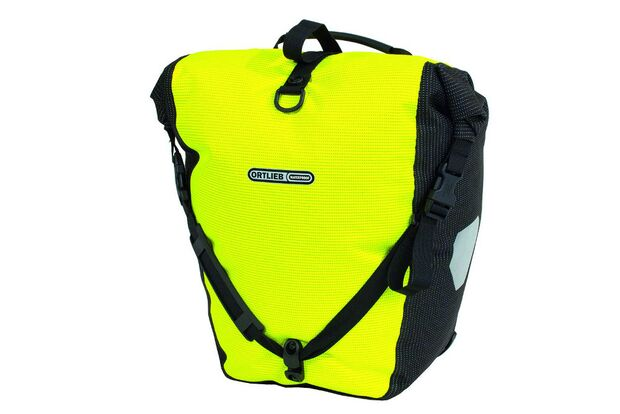 OD-OutDoor-Messe-2013-Neuheiten-Ortlieb-High-Visibility (jpg)