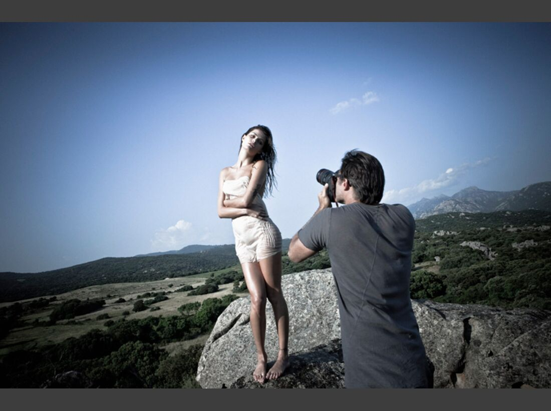 OD-Pirelli-Kalender-2012-Korsika-4e (jpg)